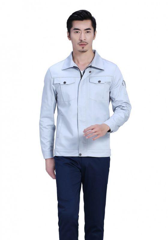 银白上衣+藏蓝裤